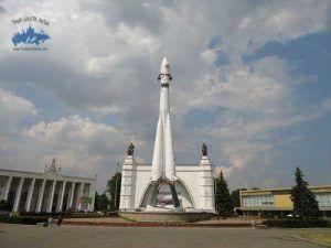 cohete de VDNKH tour grtais Rusia